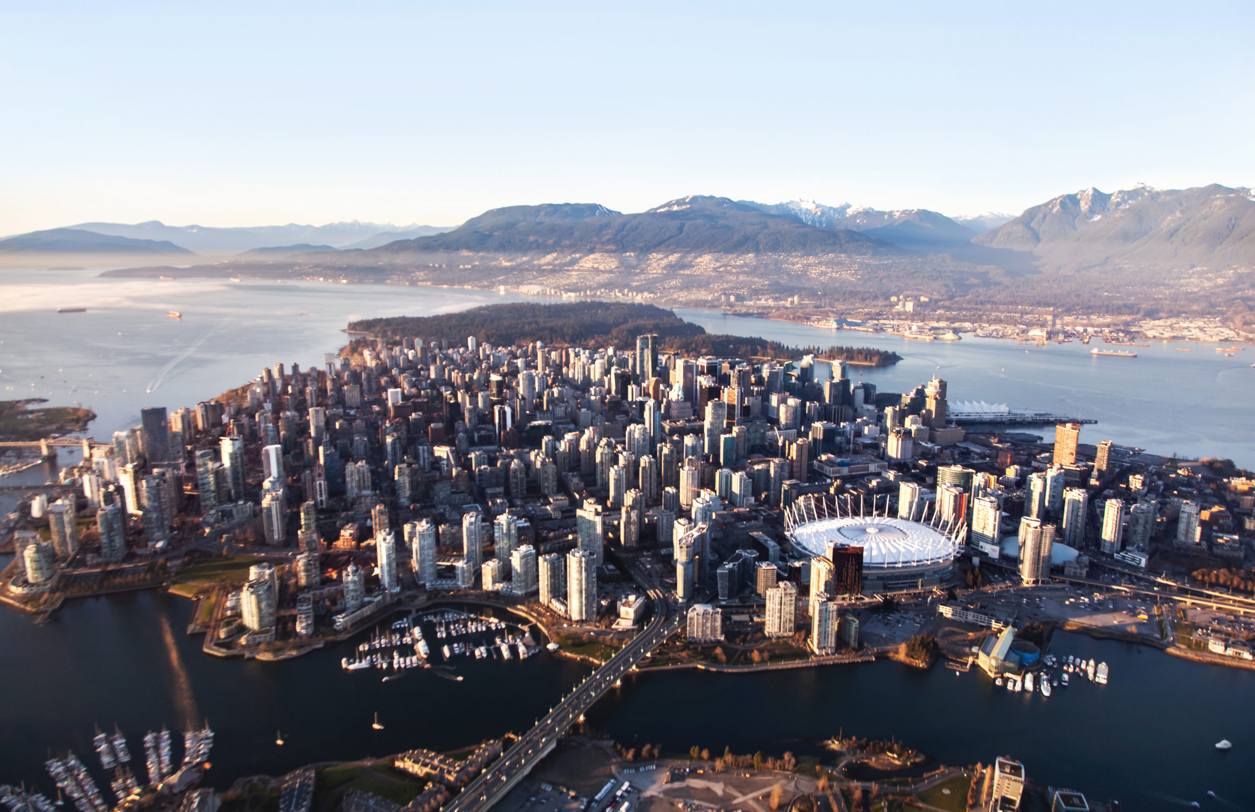 Uk immigration lawyers in Vancouver Canada who specialize in assisting Canadian citizens with UK visa applications